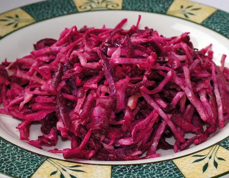 Салат из капусты и свеклы с уксусом